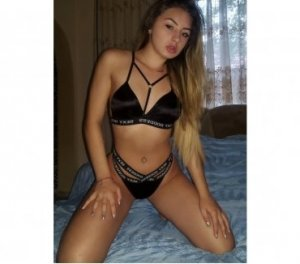 Isaora african escorts Newcastle, WA