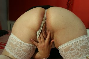 Leolia petite escorts in Milnrow
